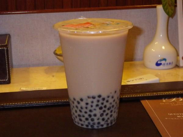 珍珠(黒い粒々のタピオカ)紅茶