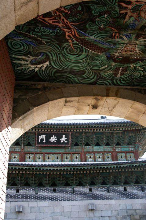 長安門の天井画