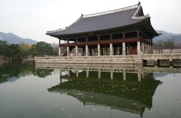 京福宮の慶会楼