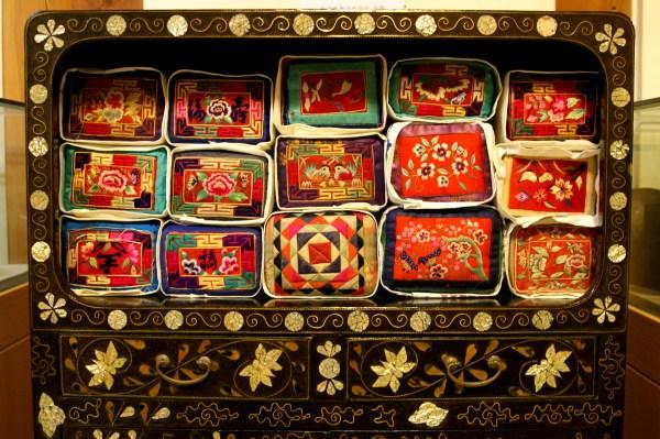 韓国枕の刺繍