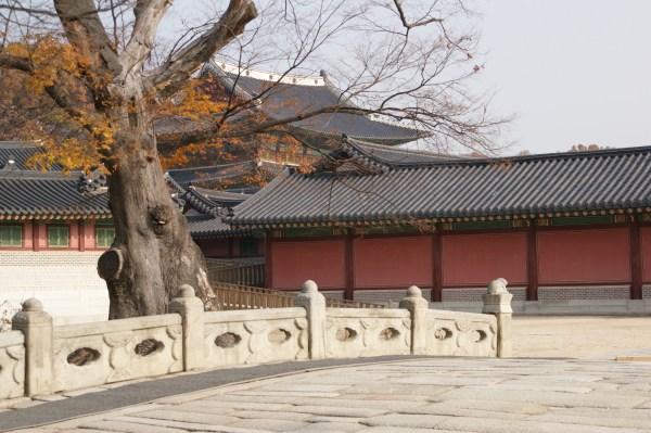 昌徳宮の錦川橋